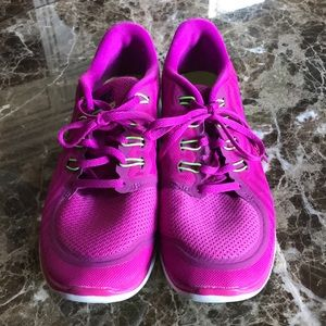 Shoes - NWOB Woman's Nike Free 5.0, Size 10.5